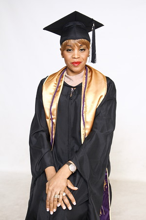 Alicia C.(2020 Graduation Shoot)