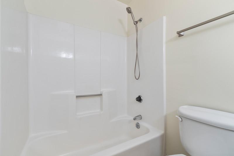 3280 Firtree 20 Bathroom.jpg