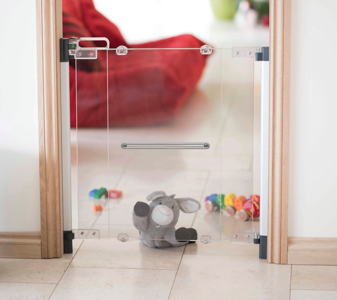 Fred_Stairgates_Screw_Fit_Clear_view_Gate_Lifestyle_toy.jpg