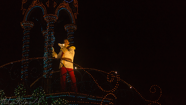 Tokyo Disney Resort, Tokyo Disneyland, World Bazaar, Hub, Plaza, Cinderella Castle, Cinderella, Castle, Tokyo Disneyland Electrical Parade Dreamlights, Electrical Parade, Dreamlights, Dream Lights, Dream, Lights