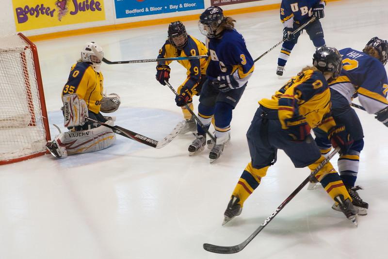20130310 QWHockeyvsUBC 199.jpg