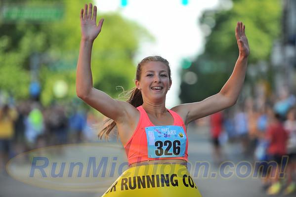 Elite Women's Mile - 2016 Dart for Art