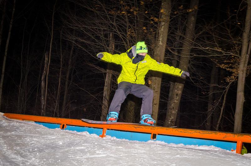 Nighttime-Rail-Jam_Snow-Trails-64.jpg