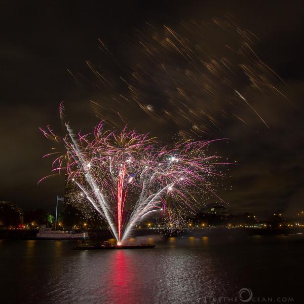 Light The Night Portland Walk - Fireworks