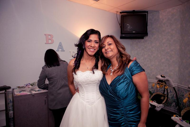 2011-11-11-Servante-Wedding-42.JPG