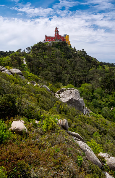 2016 Portugal Sintra Moorish castle-1.jpg