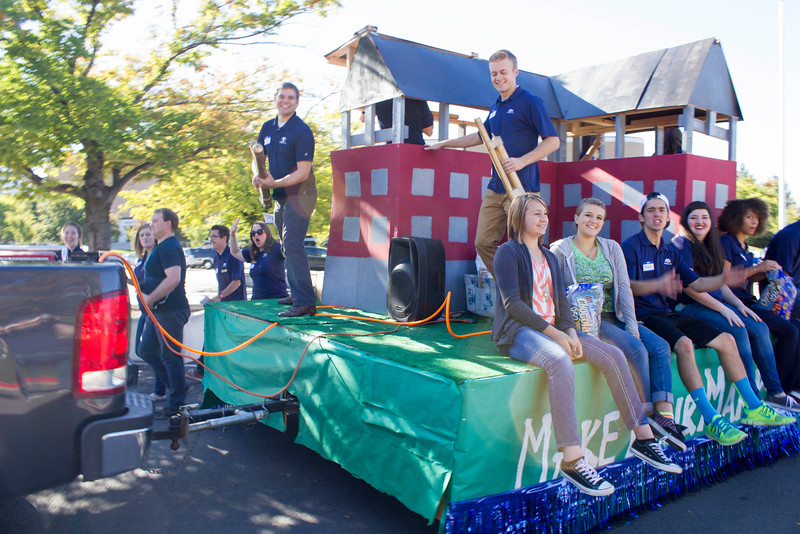 2015_10_10_Homecoming_Parade_7675.jpg