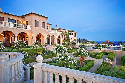 LAGUNA BEACH MANSION