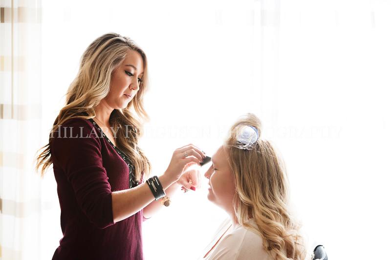Hillary_Ferguson_Photography_Melinda+Derek_Getting_Ready072.jpg