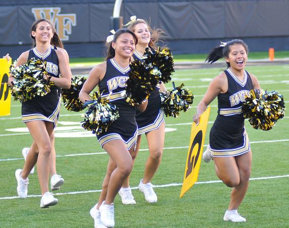 HS cheerleader day 01.jpg