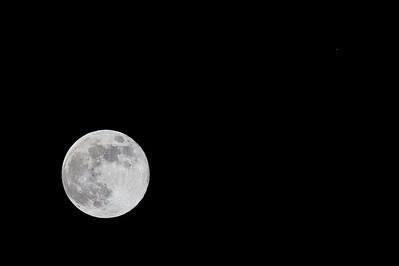 Moon and Mars 12-23-07