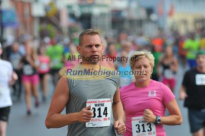 8 Mile Start, Gallery 2 - 2013 Mackinac Island 8 Mile Run