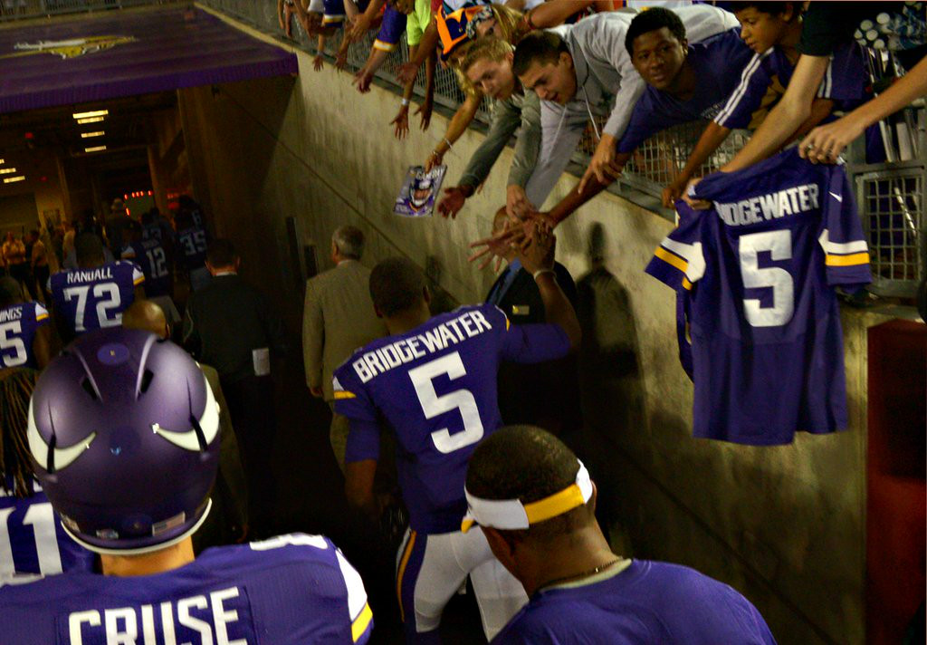 ". <p><b> The Vikings� Teddy Bridgewater wowed fans Saturday night by leading Minnesota to two late TD drives against Arizona. The rookie quarterback was aided by fact the Cardinals� defense was filled with � </b> </p><p> A. Third- and fourth-stringers </p><p> B. Guys who will be working at Burger King in a few weeks </p><p> C. All of the above </p><p><b><a href=""http://www.twincities.com/portal/vikings/ci_26353366/vikings-matt-cassel-teddy-bridgewater-rivalry-is-friendly?_loopback=1\"" target=\""_blank\"">LINK</a></b> </p><p>    (Pioneer Press: John Autey)</p>"