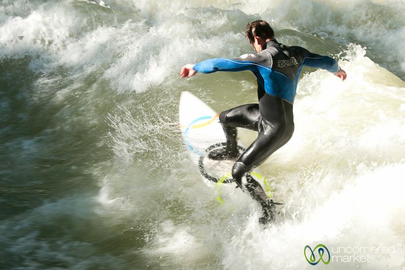 Munich Surfing at the English Garden
