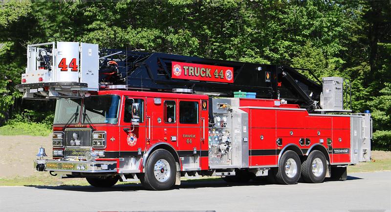 Truck 44.  2019 Seagrave Apollo II   1500 / 500 / 105' Tower