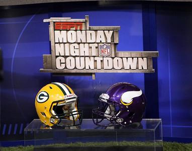 MN Vikings vs Green Bay Packers (Oct 5, 2009)
