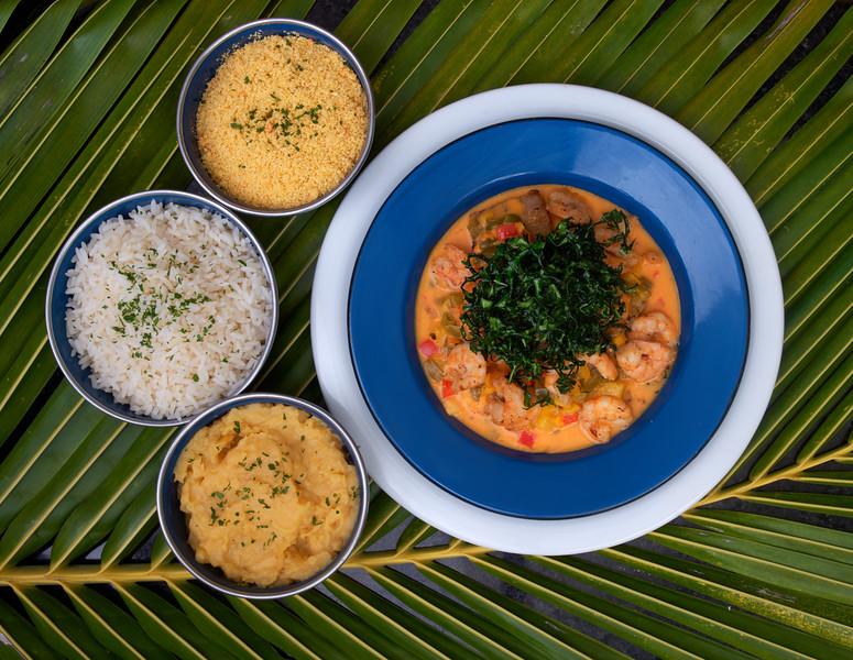 peixe e camaroes ao coco.jpg