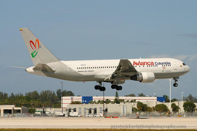 N421AV. Boeing 767-2B1/ER. Avianca. Miami. 030304.