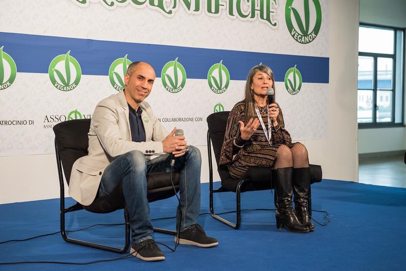 lucca-veganfest-conferenze-e-piazzetta_034.jpg