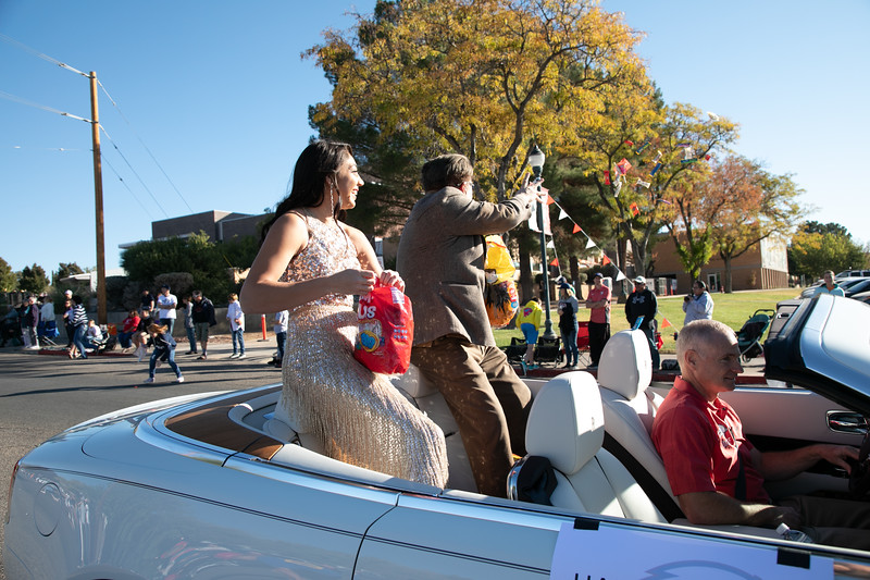 HOMECOMING PARADE 2019-1090.jpg