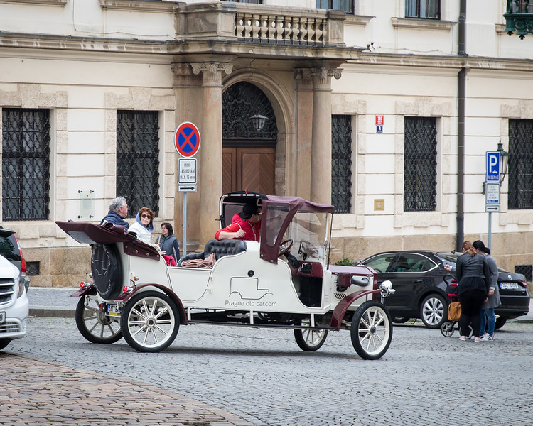 Prague Tour In A Vintage Car
