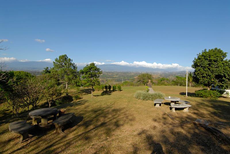 080117 9378 Costa Rica - Ciudad Colon - UPEACE Campus and students _L ~E ~L.JPG