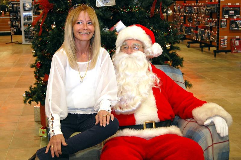 2013 Santa visits J&P Cycles Florida Superstore (37).JPG