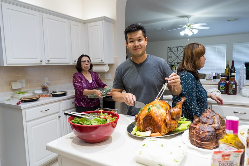 20191130_thanksgiving-vo-family_002.jpg