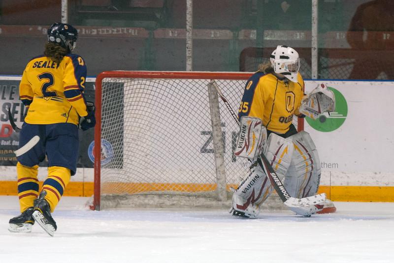 20130310 QWHockeyvsUBC 469.jpg