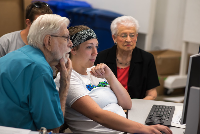 September 06, 2018Students working with Tenants DSC_0175.jpg