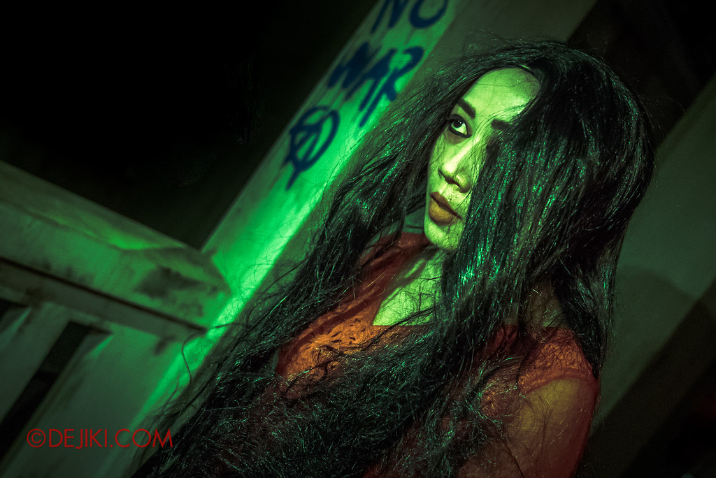 Halloween Horror Nights 6 - Old Changi Hospital / Woman in Red