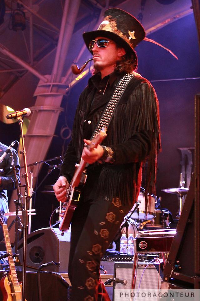 Ward Williams of Randy Houser's band, April 2011  (Photo by Benjamin Padgett)
