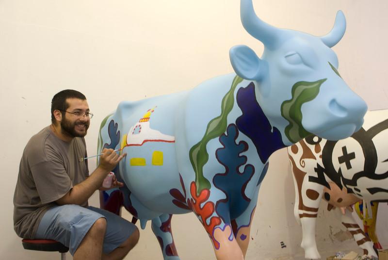cow128.jpg