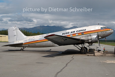 N777YA Douglas DC3