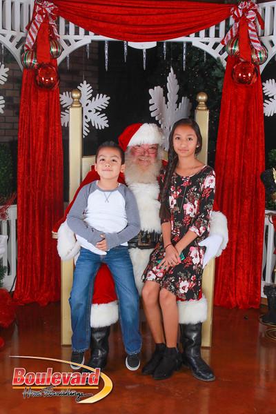 Santa 12-10-16-358.jpg