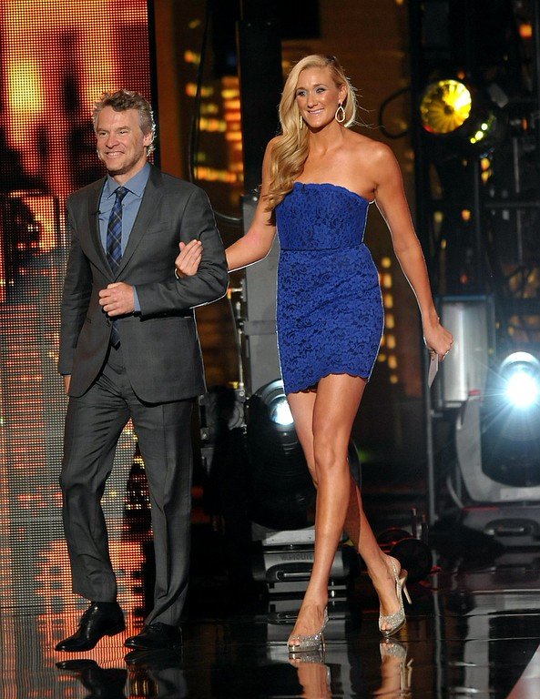 . Tate Donovan, left, and Kerri Walsh Jennings walk on stage at the ESPY Awards on Wednesday, July 17, 2013, at Nokia Theater in Los Angeles. (Photo by John Shearer/Invision/AP)