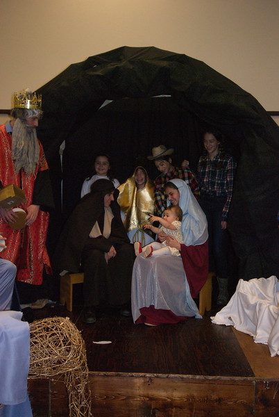 2014-12-21-Christmas-Pageant_163.jpg