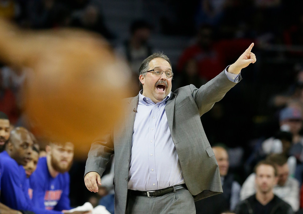 . Detroit Pistons head coach Stan Van Gundy directs during the second half in Game 4 of a first-round NBA basketball playoff series against the Cleveland Cavaliers, Sunday, April 24, 2016 in Auburn Hills, Mich. (AP Photo/Carlos Osorio)