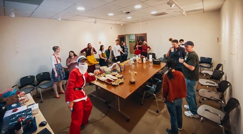 12_18_2019_Spirit_Christmas_06.jpg