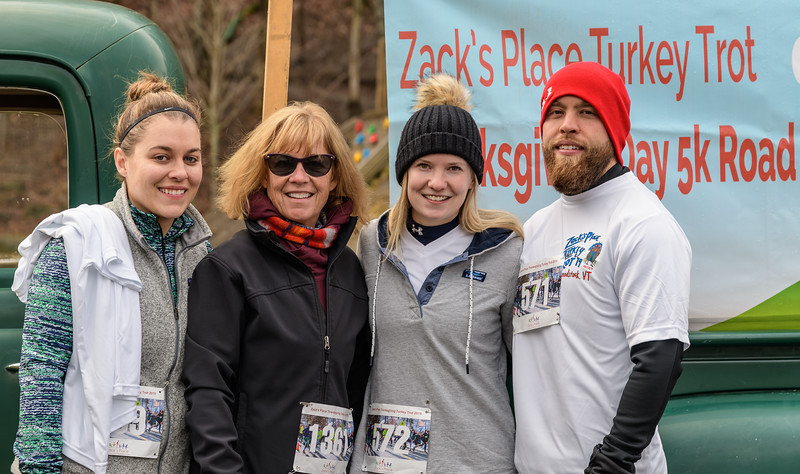 2019 Zack's Place Turkey Trot -_8507762.jpg
