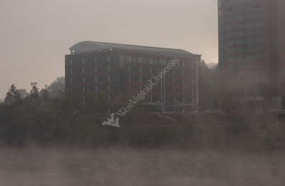 23336 Mon river fog, PRT fall ,Waterfront Woodburn fall