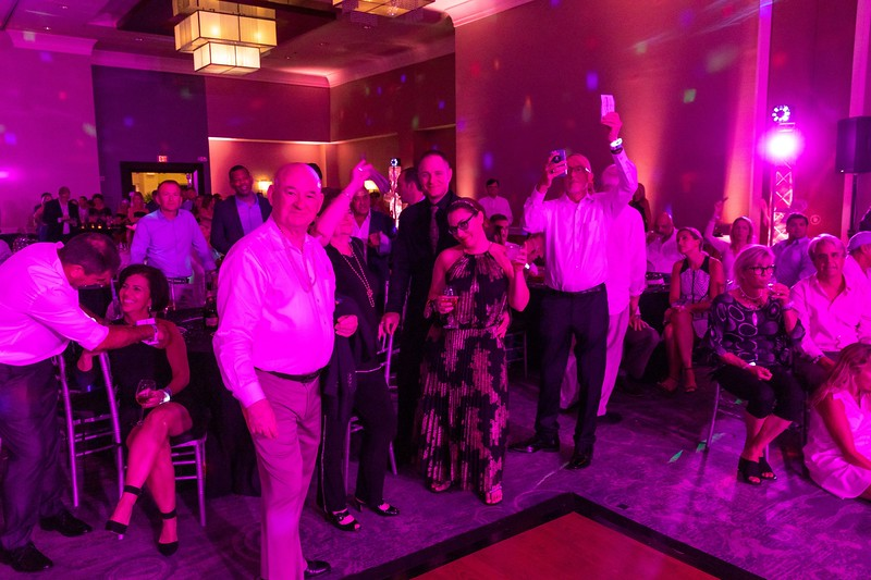 2019_11_Yachtail_Party_00716.jpg