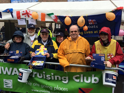 2015-05-01 RNLI Fund-raising by IWAI Cruising Club at Riverefest 2015