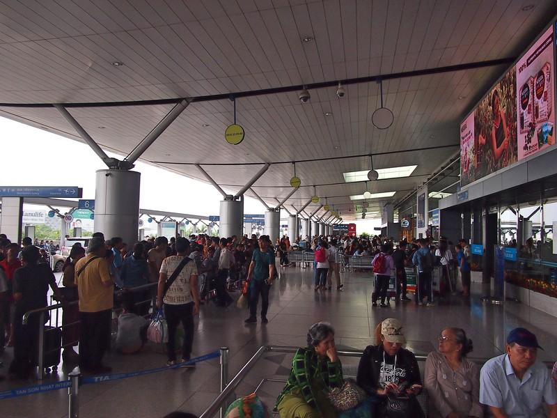 P3281687-international-departures.jpg