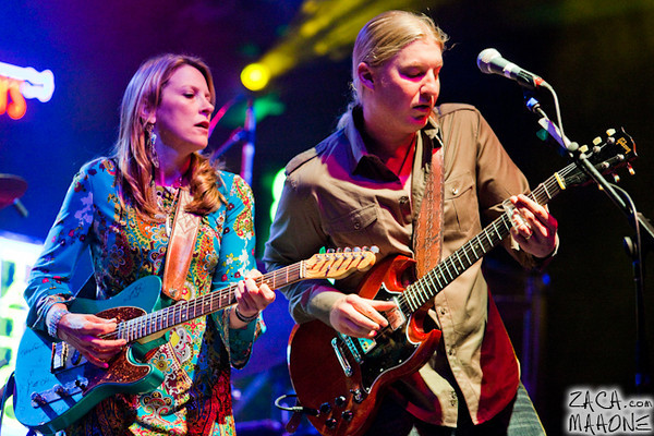 Derek Trucks and Susan Tedeschi Band-16.jpg