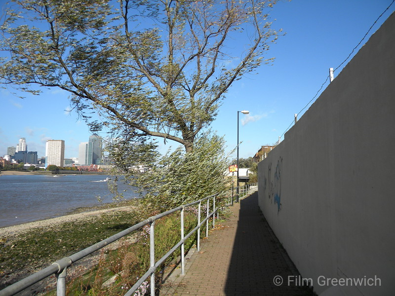 Thames Path - Morden Wharf