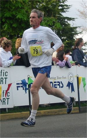2003 Times-Colonist 10K - Rob Crawford looking smooth