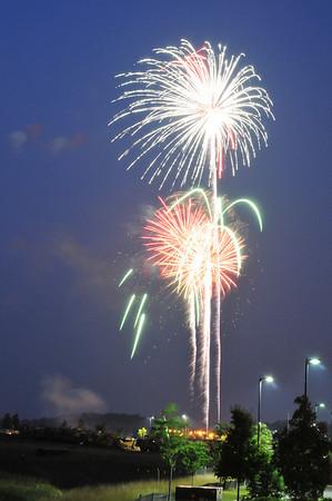 maplelawn_fireworks