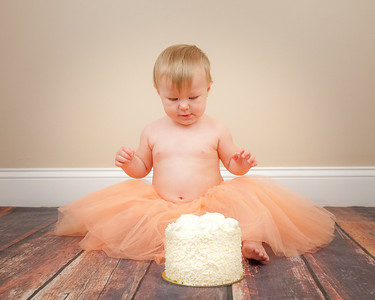 Adeline Mae turns ONE-Cake Smash