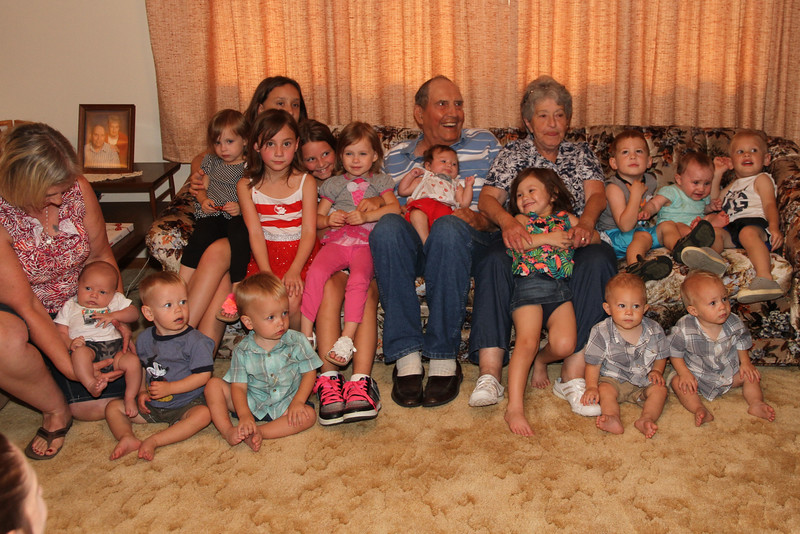 15 great grandkids aug15.jpg